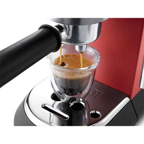 delonghi-coffee-machine-ce685